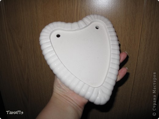 Так мне понравилась идея мастерицы Марина К,что решила тоже попробовать. Взяла подходящие формы: большая-крышка от тортика, а маленькие -это коробочка от конфет, использовала и дно и крышку.  фото 4