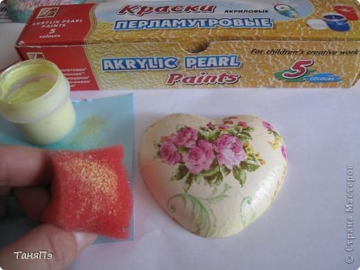 Так мне понравилась идея мастерицы Марина К,что решила тоже попробовать. Взяла подходящие формы: большая-крышка от тортика, а маленькие -это коробочка от конфет, использовала и дно и крышку.  фото 7