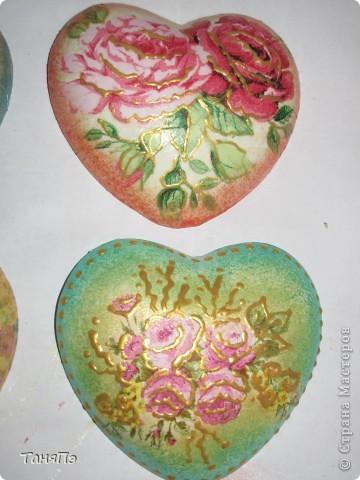 Так мне понравилась идея мастерицы Марина К,что решила тоже попробовать. Взяла подходящие формы: большая-крышка от тортика, а маленькие -это коробочка от конфет, использовала и дно и крышку.  фото 9