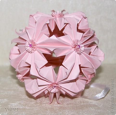 Говорят, что розовый цвет - это цвет радости, надежды, влюбленности, умиротворенности. Он несет в себе положительные эмоции и позитивный настрой. И еще это - женский цвет А черный... для меня это цвет - таинственность, цвет-загадка, цвет-магия... Чем не еще один женский цвет?! фото 4
