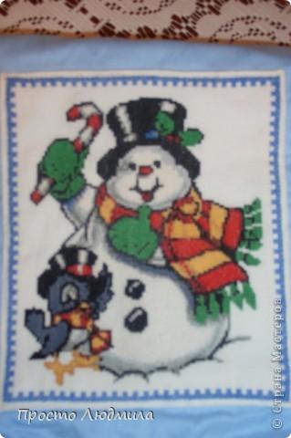 Новый год мой любимый праздник. Люблю делать и дарить подарки. Таким образом я решила помочь Деду Морозу, не будет думать куда подарок положить. Этот мешочек сделан для мальчика, моего племянника. фото 3