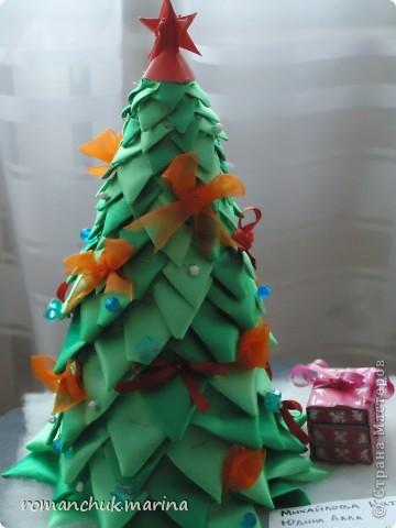 Вот такие новогодние поделки сделали воспитанники нашего детского дома совместно с воспитателями. фото 8