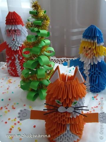 Вот такие новогодние поделки сделали воспитанники нашего детского дома совместно с воспитателями. фото 27