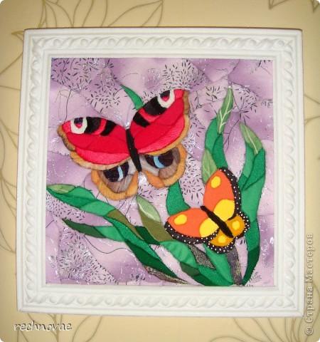Только Новый год прошел, а уже хочется лета и тепла. Вот такие бабочки поселились  в детской. Как всегда из ткани и пенопласта