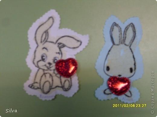 Моим деткам от 2 до 3 лет,но про подарки на праздники для родных мы то же не забываем.Вот и сегодня готовимся к дню Святого Валентина.Для воплощения идеи нам понадобились шаблоны зайчиков (всё таки год кролика), фото 8