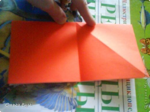 """Это сердце умеет биться! Оно двигается и стучит! Эта забавная динамическая модель оригами настоящая игрушка - мы все подносили друг другу к уху и слушали! Сзади у неё треугольный хвостик, который если сжимать, серединка выгибается вперёд, а """"крылышки"""" назад, при этом слышно """"стук"""". А если около уха держишь, то ещё больше похоже. Мы были в восторге.  фото 5"""