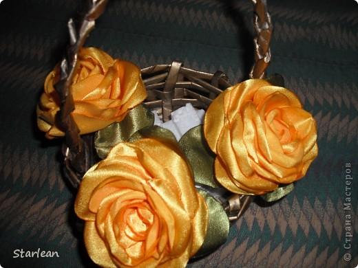предлагаю вам сделать вот такие корзины с розами в подарок! фото 14