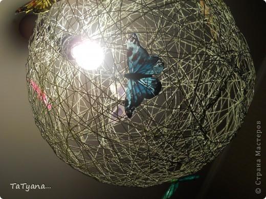 Наша люстра))) дополнили ее бабочки купленные в цветочном магазине. фото 3