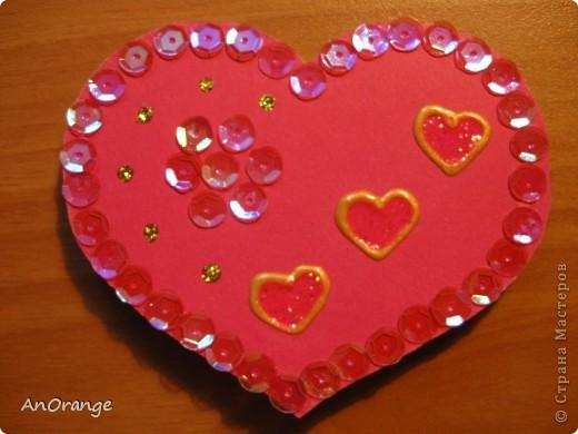 В преддверии праздника Святого Валентина было решено, что нужно поздравить весь класс. Часть валентинок купили, а часть решили сделать своими руками. Вот что из этого получилось. фото 4