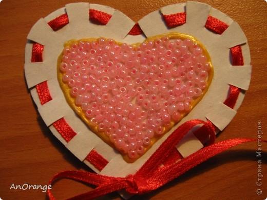 В преддверии праздника Святого Валентина было решено, что нужно поздравить весь класс. Часть валентинок купили, а часть решили сделать своими руками. Вот что из этого получилось. фото 7