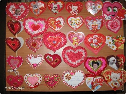 В преддверии праздника Святого Валентина было решено, что нужно поздравить весь класс. Часть валентинок купили, а часть решили сделать своими руками. Вот что из этого получилось. фото 11
