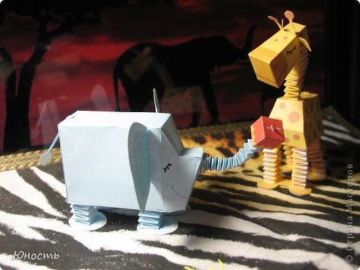 Слоненок и жираф. Выкройки распечатаны на цветном принтере, склеены клеем-карандашом. фото 7