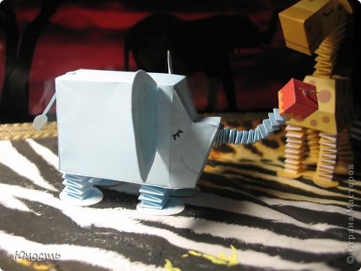 Слоненок и жираф. Выкройки распечатаны на цветном принтере, склеены клеем-карандашом. фото 10