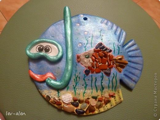 Еще одна реинкарнация рыбки-дайвера. Он ищет в морских глубинах драгоценных рыбок редких пород. :)) фото 1