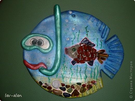 Еще одна реинкарнация рыбки-дайвера. Он ищет в морских глубинах драгоценных рыбок редких пород. :)) фото 2