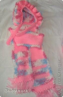 Комплект состоит из: шапочки, шарфика, кофточки на замочке и штанишек на лямках. Связано для внучки на 4 месяца.  фото 4