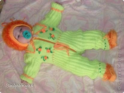 Комбенизон для внучки на 5 месяцев. С вышивкой из атласных  ленточек. фото 1