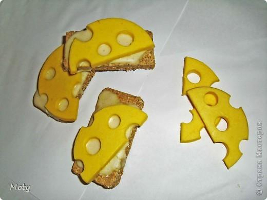 Бутербродики с сыром... Хлеб: детское мыло, отруби молотые, сушеная календула, какао. Сыр: детское мыло, масло оливковое, желтый краситель, запах бергамота. Масло: детское мыло. фото 2