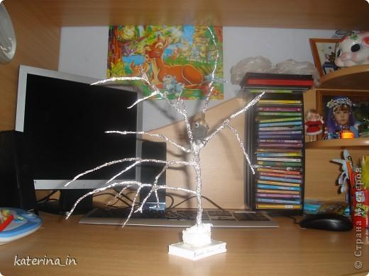 Птичка не известной породы,но явно зимующая!В школе задали сделать поделку или рисунок,на тему зимующих птиц,мы долго с дочкой ломали голову,что сделать и придумали это чудо. фото 3