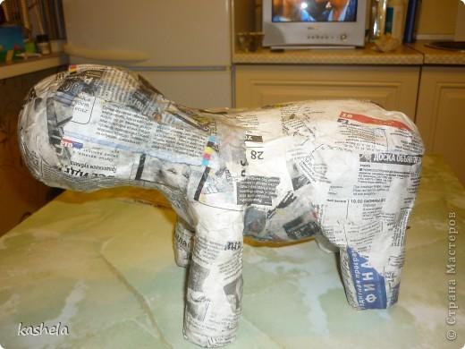 1.Изготовление слона заняло у меня  7 дней. Для начала я варю клейстер,из муки и воды фото 6