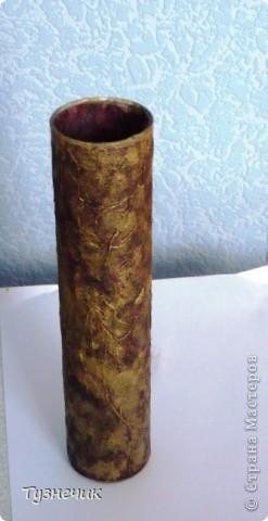 Ваза сделана в технике декупаж...обычная стеклянная ваза, коричневая салфетка, немного золотистого контура по стеклу и губка...и вот, что получилось))) фото 2