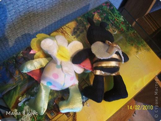 Сегодня утром, старшие доченьки получили в подарок вот такую корзинку со сладостями и малютками тильда фото 3