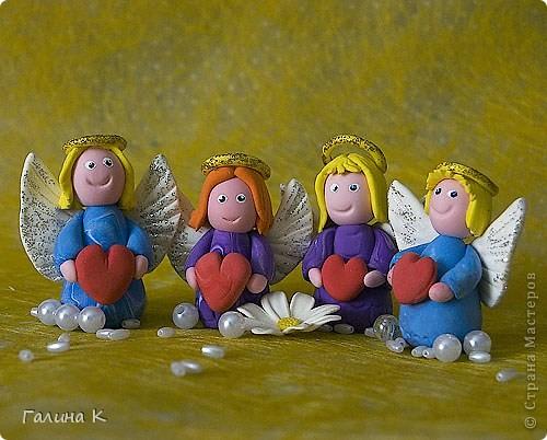 Такие несложные ангелочки слепились из массы для лепки. фото 1