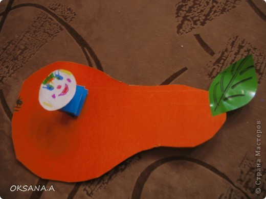 Эти аппликации сделала моя старшая дочка Валерия. Этот слоник из сердечек - подарок на день Валентина.   фото 3