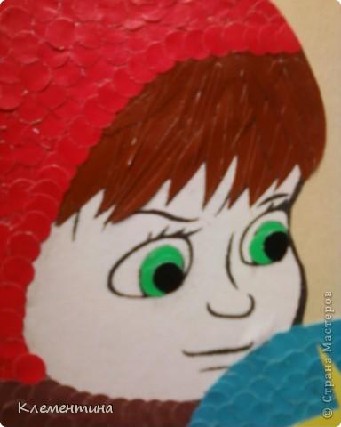 Дыроколом нарезаем кружков и клеем в соответствии с цветом по краям заранее подготовленного рисунка... фото 3