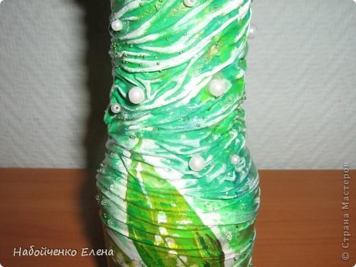 Из обыкновенной бутылки от кетчупа, получилась такая маленькая ваза, с довольно большим горлышком фото 3