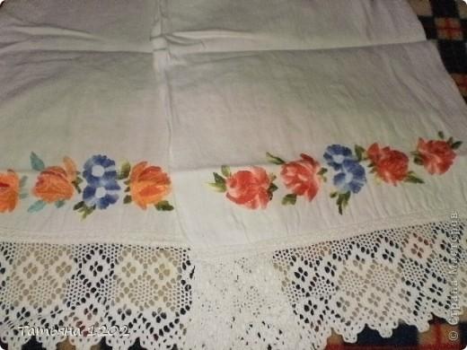 когда-то наши бабушки вышивали рушники,лет 20 назад я тоже вышивала рушники на чистом льне,отделка кружево ручной работы. фото 1