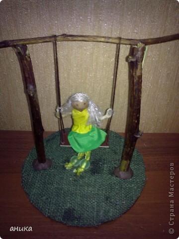 Кукла на качелях фото 2