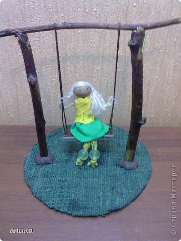 Кукла на качелях фото 3
