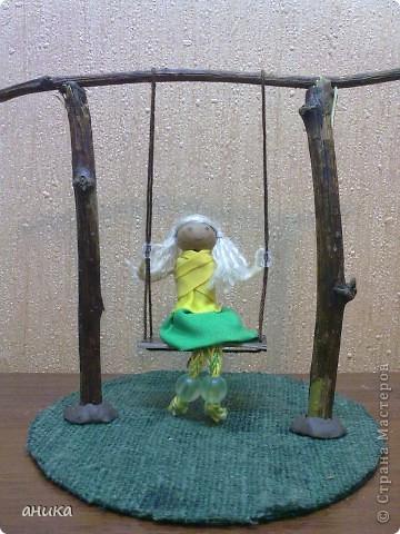 Кукла на качелях фото 4
