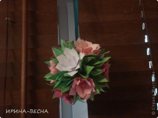 Вот такая кусудама с  цветами получилась у меня , очень актуально  будет смотреться в день Пасхи. фото 3