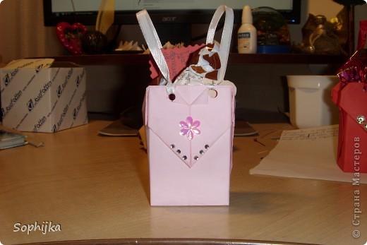 Вот такие подарки я приготовила своим подружкам на День Валентина. Сделала немного, потому что надо было делать срочно!(я об празнике вспомнила оооочень поздно) Посмотрим поближе? фото 4