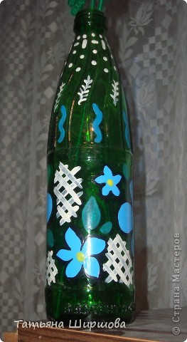 простая бутылка, а я её разрисовала красками для керамики
