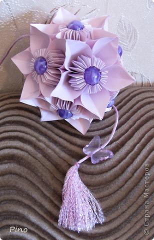 """Cherry Blossom Ball от Tomoko Fuse  Увидела схему и захотелось сделать именно таких цветов, до сих пор не могу понять почему О_о, вот такая """"зимняя вишня"""" ^_^ фото 4"""