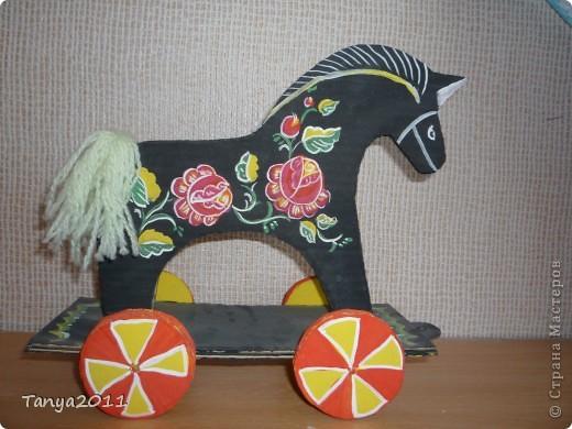 """Вырезание - Городецкая лошадка-каталка """" Поиск мастер классов, поделок своими руками и рукоделия на SearchMasterclass.Net"""