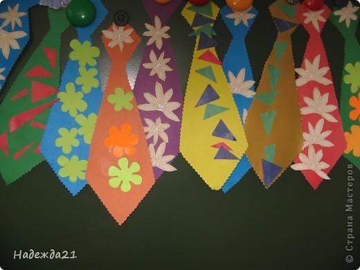 Вот такие галстуки для пап получились сегодня во второй младшей группе. фото 2