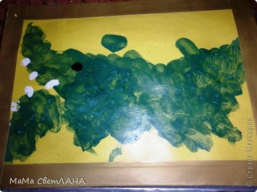 Земляничка. Посмотрели мы Лунтика и тоже решили нарисовать ягодки. фото 7