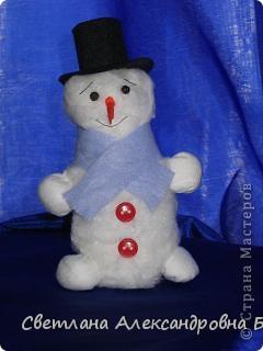Со старшим сыном, ему 5 лет, сделали такого снеговика.