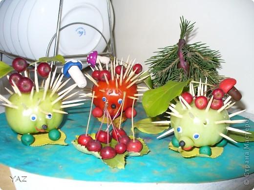 Такую композицию мы делали с мамой на конкурс осенних поделок из природного материала в детский сад фото 1