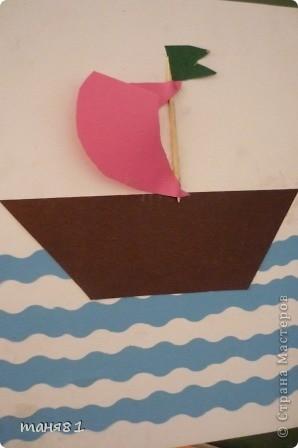 Вот такие кораблики мы сделали для пап с моими первоклашками. Потом положили в конверты и отправили папам по почте, сделали сюрприз!! фото 9