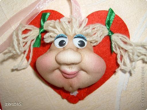 """Эти личики шились для """"кукл на удачу"""", но им суждено было стать валентинками. фото 2"""
