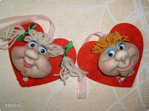 """Эти личики шились для """"кукл на удачу"""", но им суждено было стать валентинками. фото 1"""