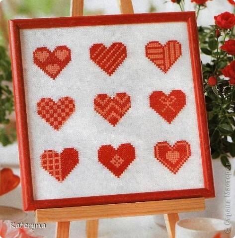 Вот такими тёплыми сердечками я украсила дом в День Святого Валентина. Сшила их из фланели,набила синтепухом и закрепила на ветке. фото 16