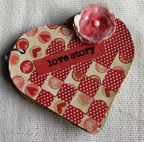 Вот такими тёплыми сердечками я украсила дом в День Святого Валентина. Сшила их из фланели,набила синтепухом и закрепила на ветке. фото 17