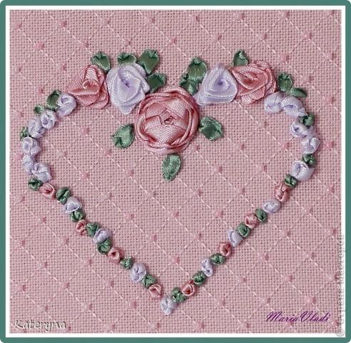 Вот такими тёплыми сердечками я украсила дом в День Святого Валентина. Сшила их из фланели,набила синтепухом и закрепила на ветке. фото 18