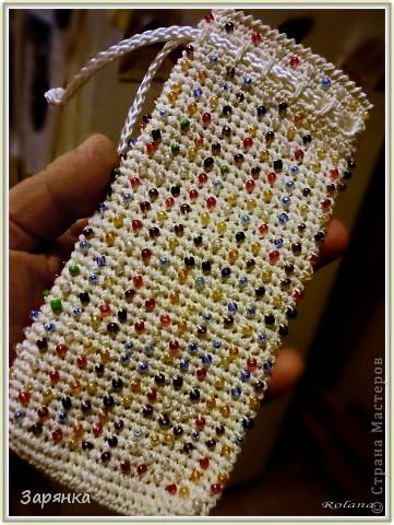 Чехол для мобильного телефона. Бисер провязан в процессе работы.  фото 8